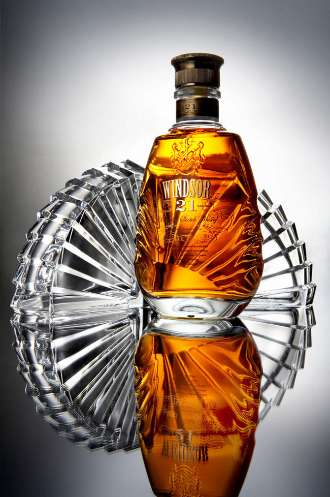 Botella de whisky Royal Windsor 21